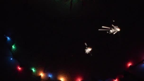 csillagszórók a karácsonyfa háttér
