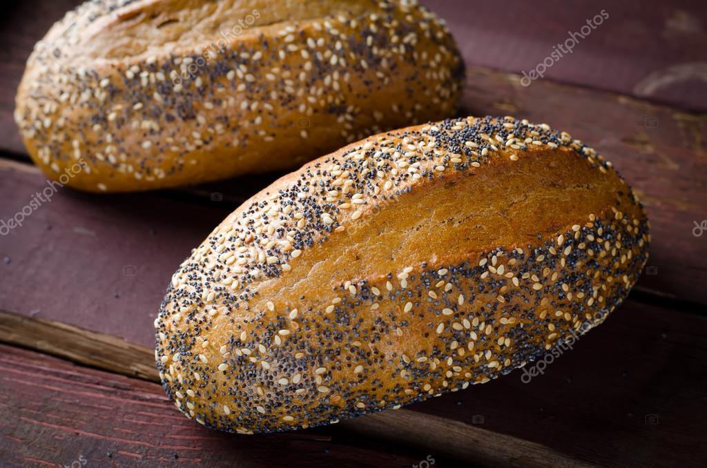 bröd med sesamfrön