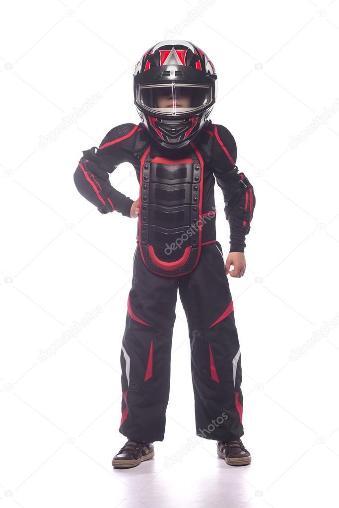 4b91fddba8f Motorista de carro ou moto de corrida. O menino no traje do racer isolado no