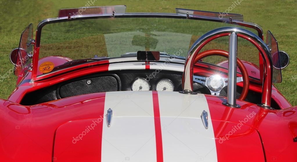 Altes Modell Sport Auto Ac Cobra auf dem Festival Highland ... | {Armaturenbrett oldtimer 13}
