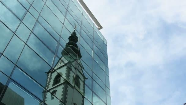 Pohled na katedrálu bell tower Klagenfurt