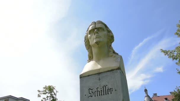 Busta Shiller