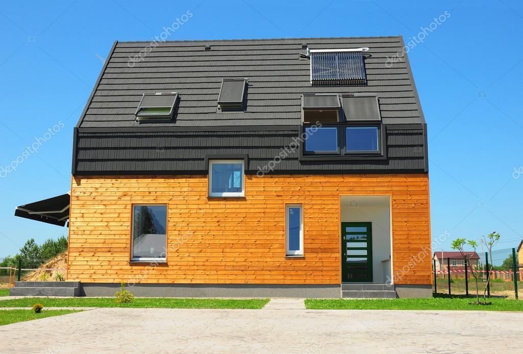 Modern huis exterieur design. nieuwe gebouw huis energie efficie