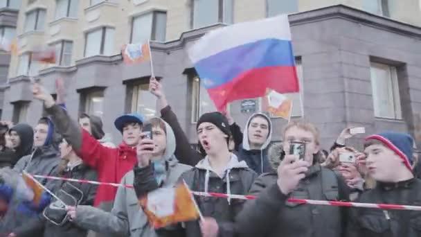 Молодые снимают видео, частное русское порно в машине