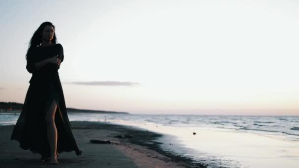 Смотреть видео девушек на море фото 748-879