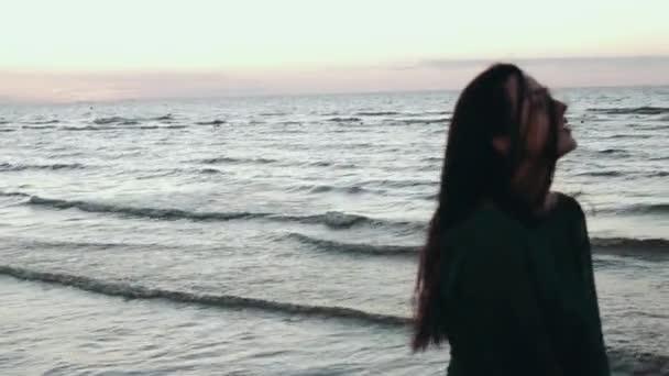 Смотреть видео девушек на море фото 748-73