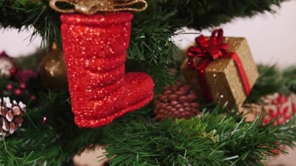 Dekorace vánoční stromeček červený boty