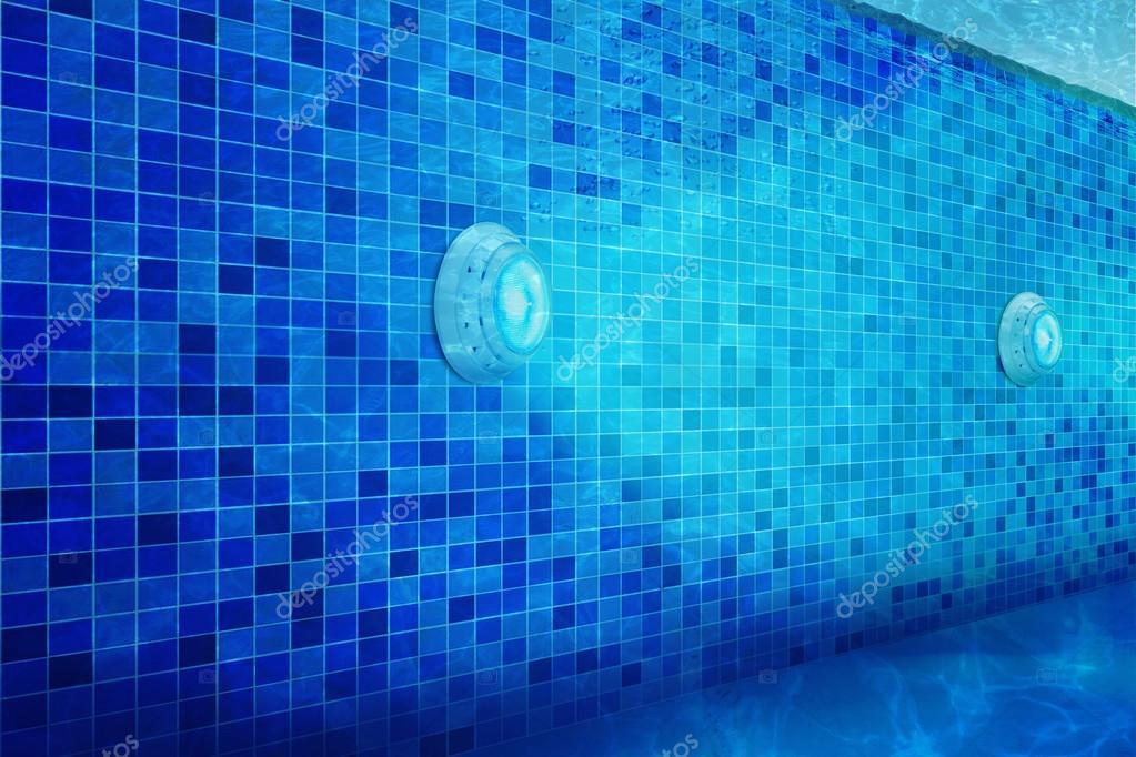 zwembad verlichting met Led verlichting waterdicht — Stockfoto ...