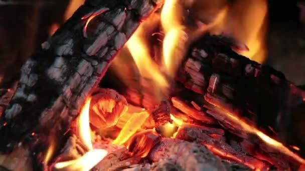 zblízka obraz krb a spalování dřeva