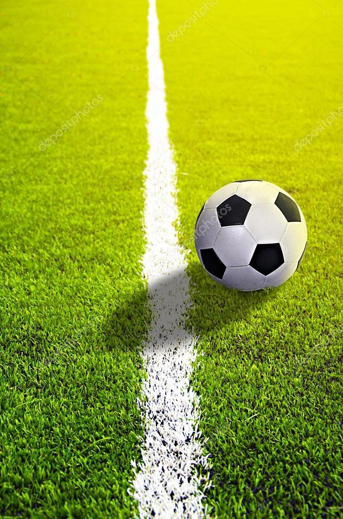 Fussball Rasen Mit Kennzeichnung Und Ball Sport Stockfoto