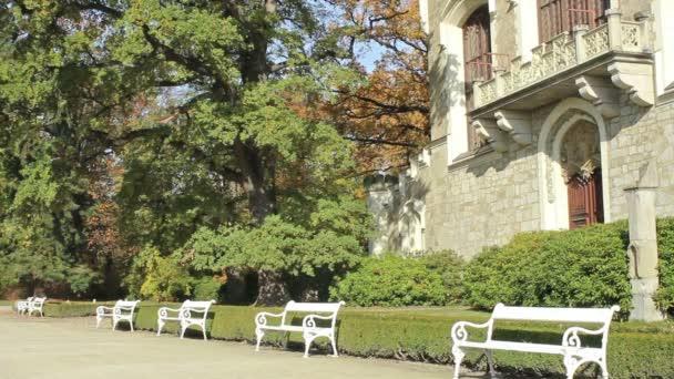 Park s lavičkami