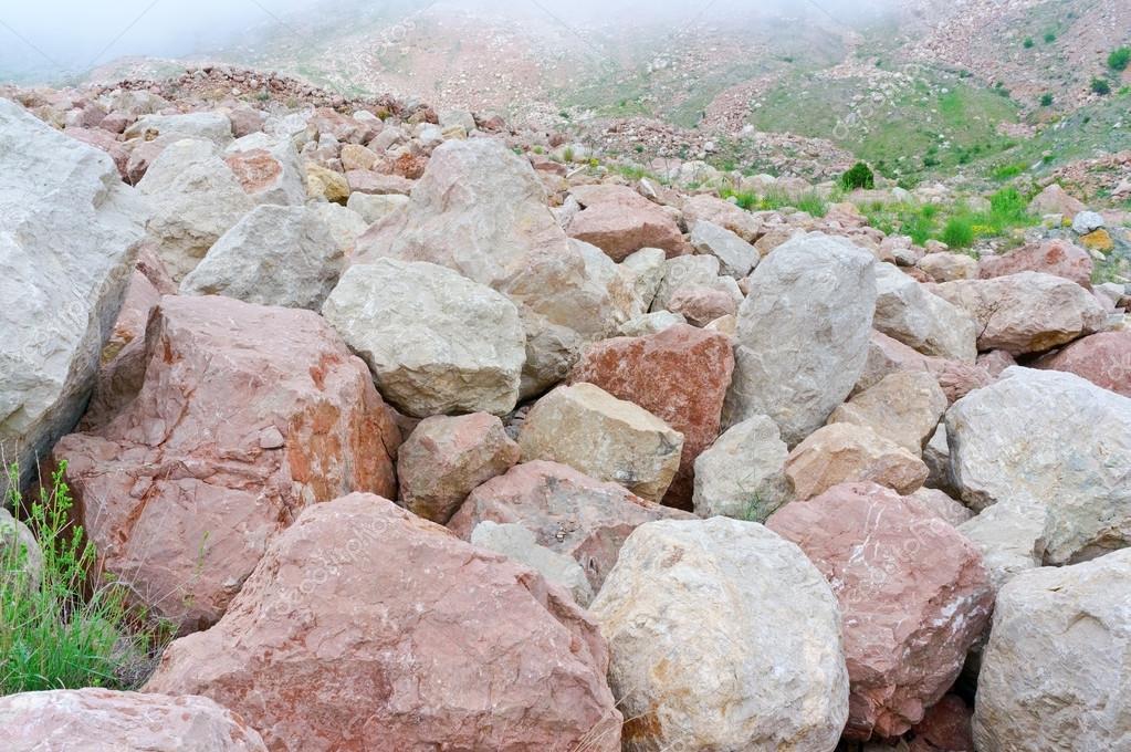 Rotsblokken Voor Tuin : Grote rotsblokken u stockfoto vega