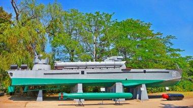 Torpedo cutter