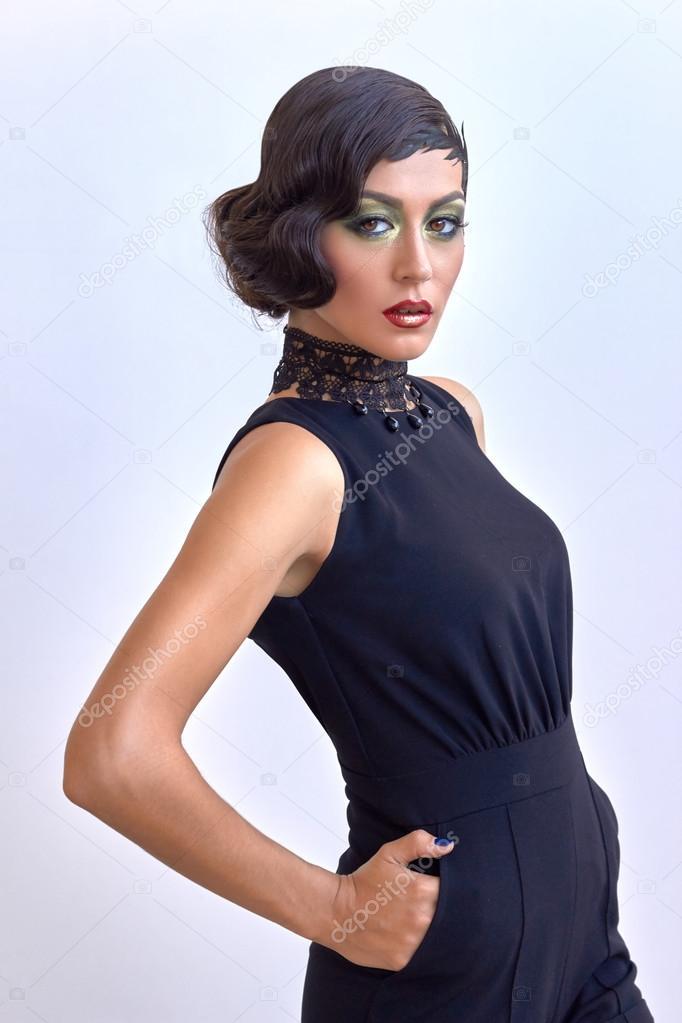 Retro Fashion Elegant Woman Classic Black Dress 1920s Glam