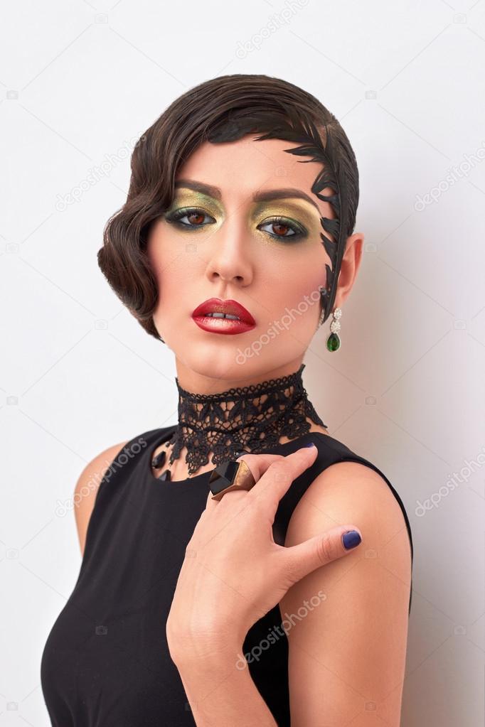 Mode Retro Portrait D Une Femme Elegante Des Annees 1920 Au Style