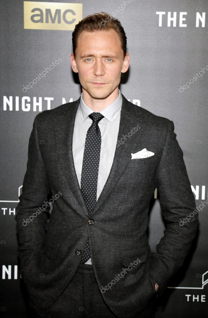 d3a9de4259fda 5 avril 2016   acteur Tom Hiddleston à Los Angeles premiere d Amc