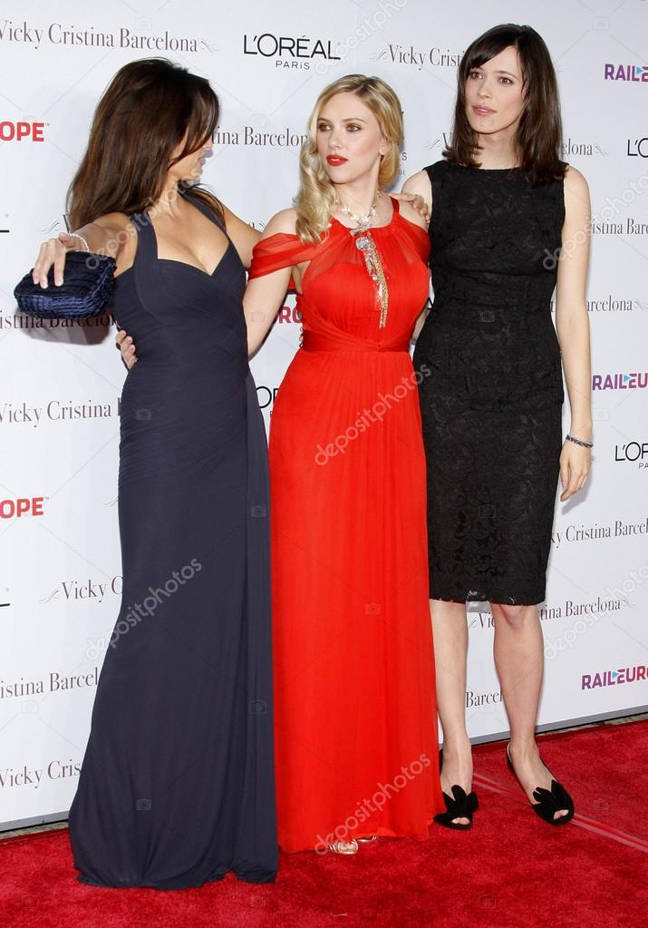 Rebecca Hall Scarlett Johansson