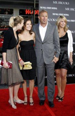 Lily Costner, Annie Costner, Kevin Costner, Christine Baumgartner