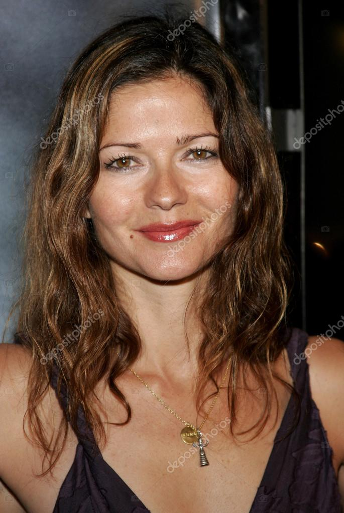 actress Jill hennessy