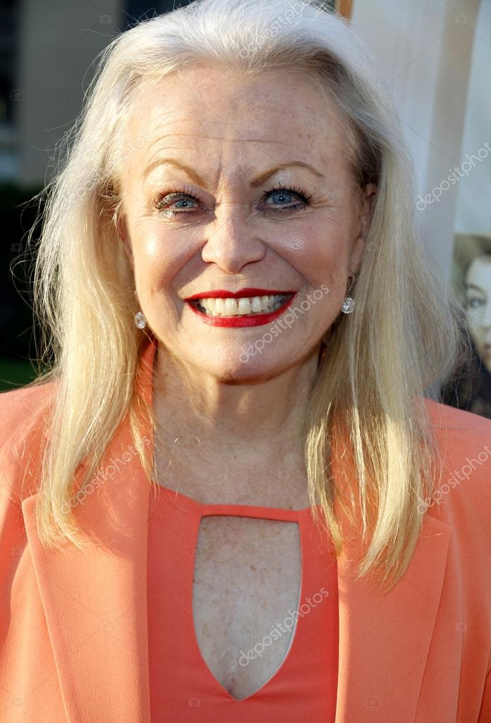Actress Jacki Weaver at the Los Angeles premiere of Sister Cities held at  the Paramount Studios in Hollywood, USA on August 31, 2016 — Foto de  PopularImages