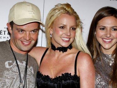 Allie Sims, Claus Hjelmbak, Britney Spears