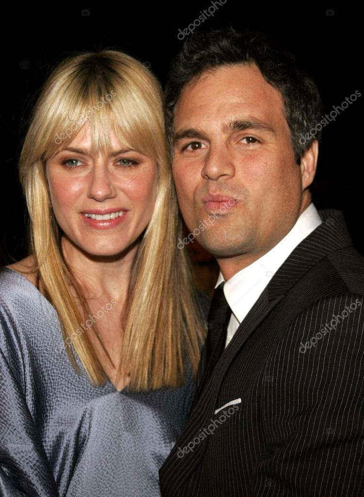 mark ruffalo and wife sunrise coigney stock editorial. Black Bedroom Furniture Sets. Home Design Ideas