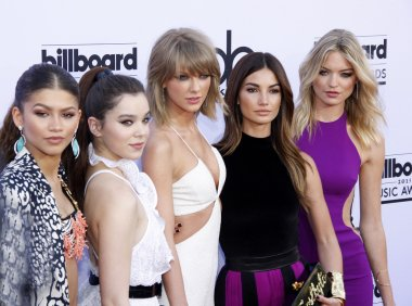 Zendaya Coleman, Hailee Steinfeld, Taylor Swift, Lily Aldridge and Marsha Hunt