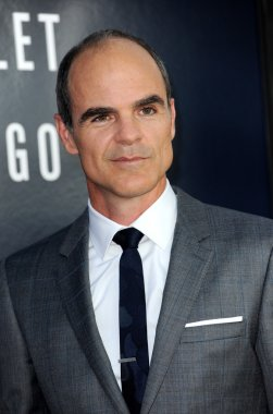 Michael Kelly in Los Angeles