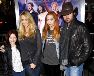 Billy Ray Cyrus, Tish Cyrus, Brandi Cyrus and Noah Cyrus