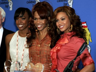 Michelle Williams and Beyonce Knowles