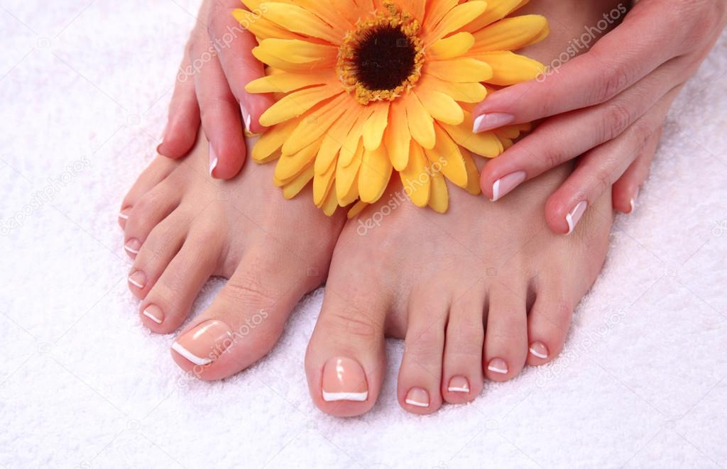 Фото красивых женских ног крупным планом фото 247-300