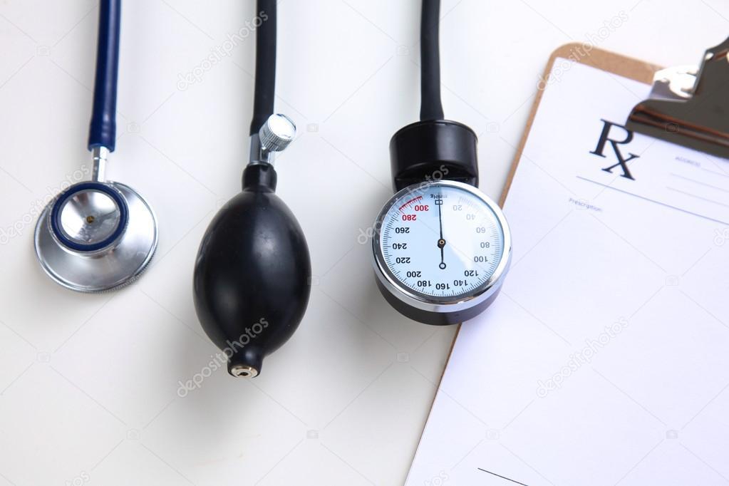Blutdruck Messgerät Medizintechnik Isoliert Auf Weiss Stockfoto