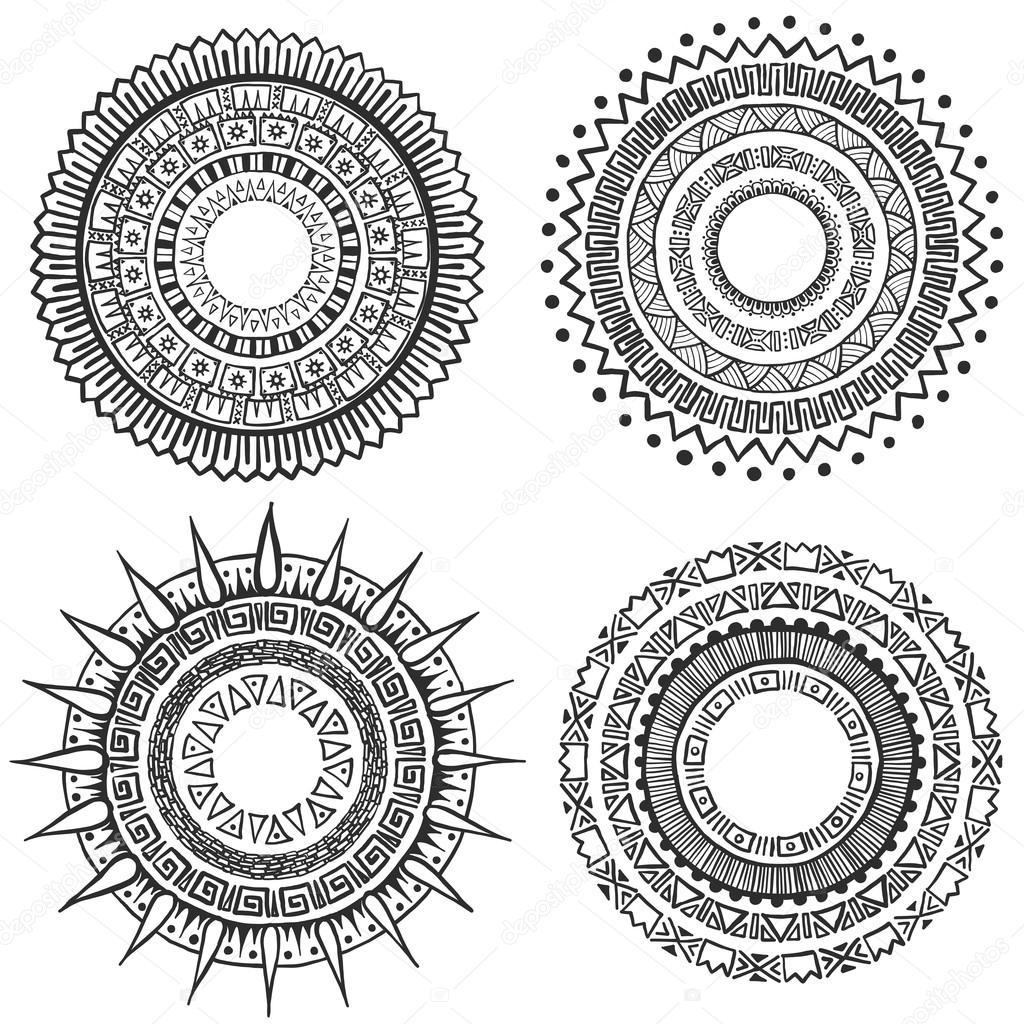 4 Hand Drawn Style Tribal Mandalas Pour Les Decorations Et Tatouage