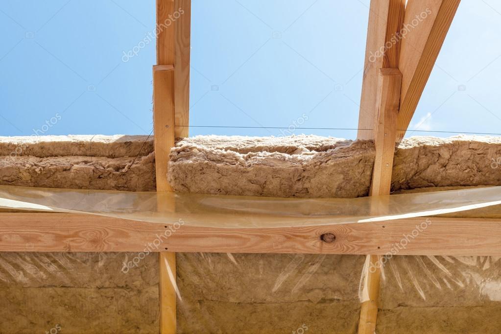 Nuevas vigas de construcción residencial framing casa con película ...