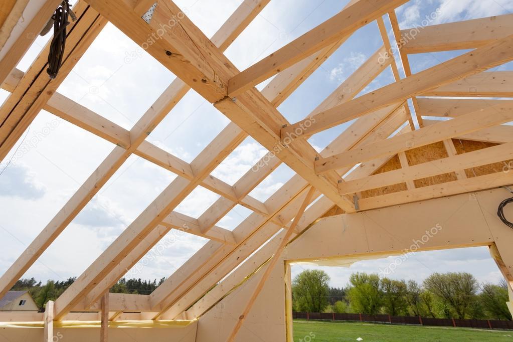 Estructura casa nueva construcci n residencial contra un - Estructura casa madera ...