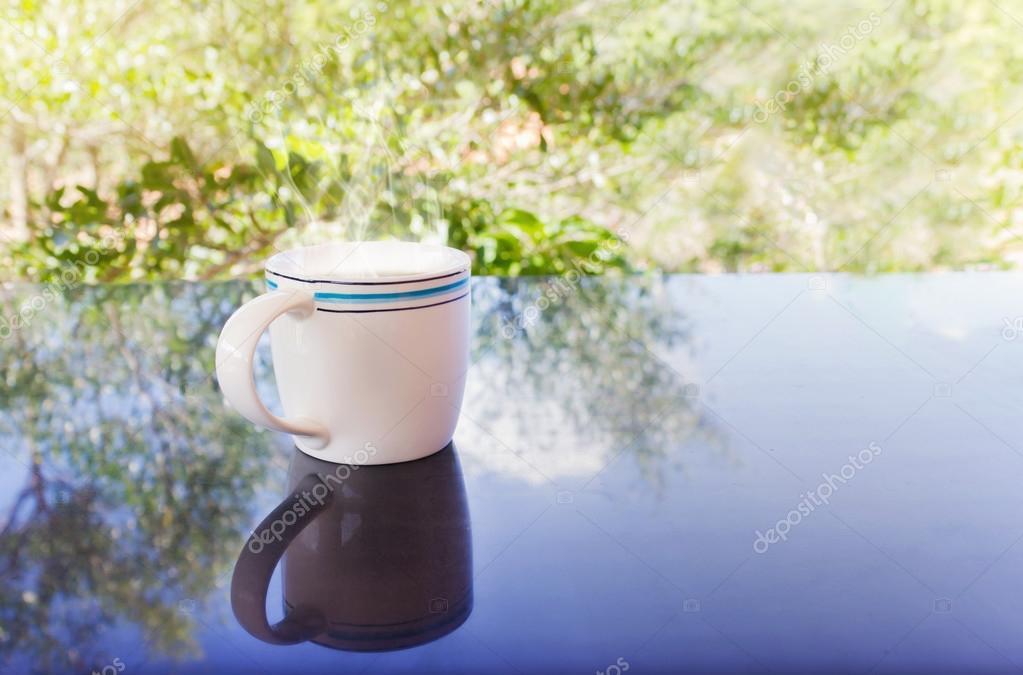 Cl sico blanco taza de caf negro decorado con flores y for Decoracion con tazas de cafe