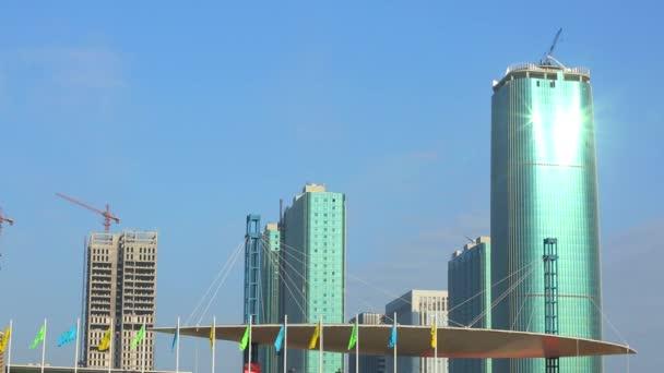 Panorama Seattlu s nové budovy ve výstavbě. abstraktní skleněná strana obchodní budovy