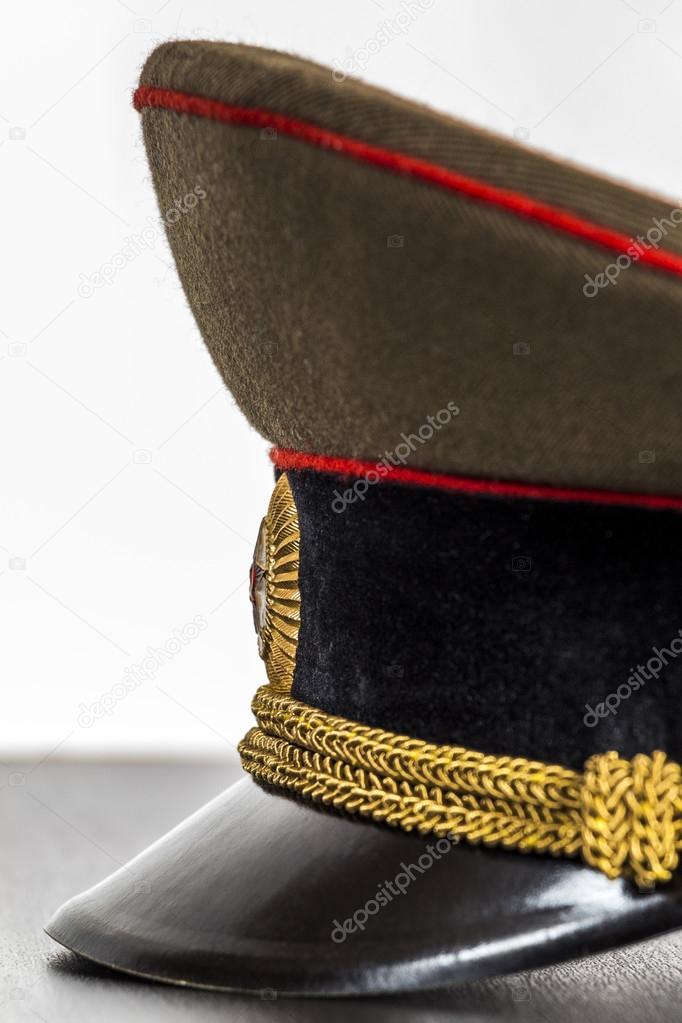 Visera de la gorra militar closeup — Foto de stock © SV Production ... b7a3b817131
