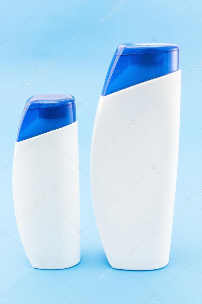 små shampoo flaskor