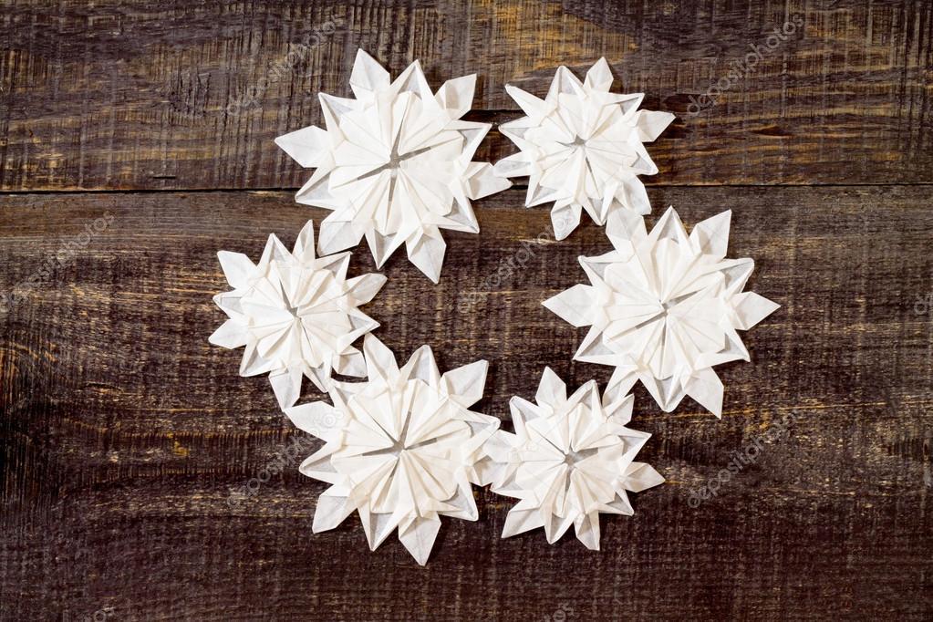 Tissue Star Origami Christmas Ornaments - Lia Griffith | 682x1023