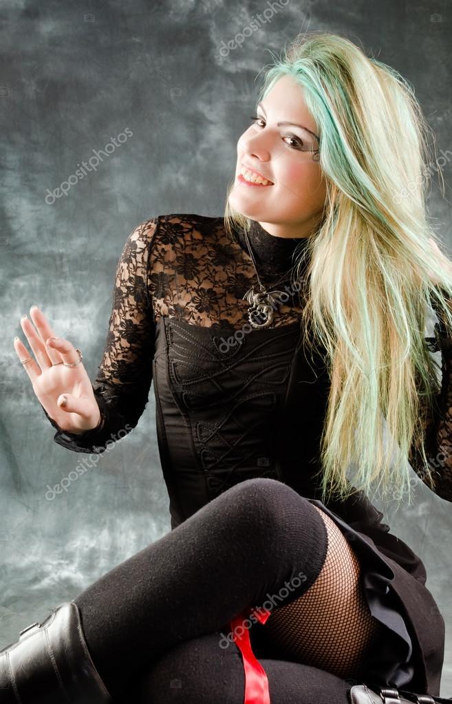 jolie jeune fille goth v tements photographie serg269 78541972. Black Bedroom Furniture Sets. Home Design Ideas