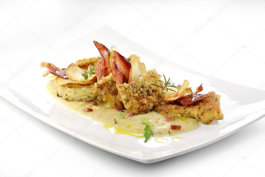 Piatto Di Pesce Filetti Di Rombo Crosta Aromatizzato Cips Rosti