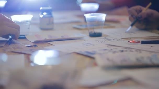 skupinové lekce pro písma. Nakreslení domácí pera písmena a interpunkce
