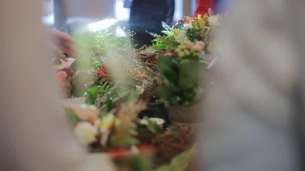 Hlavní skupina květinářství, práce s květy, kytice, boutonnieres, byliny, rostliny