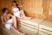 Pár relaxaci v sauně