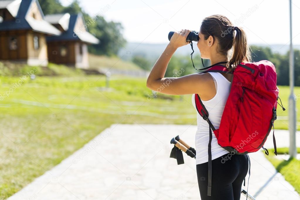 Tourismus wandern und mit fernglas u stockfoto nd