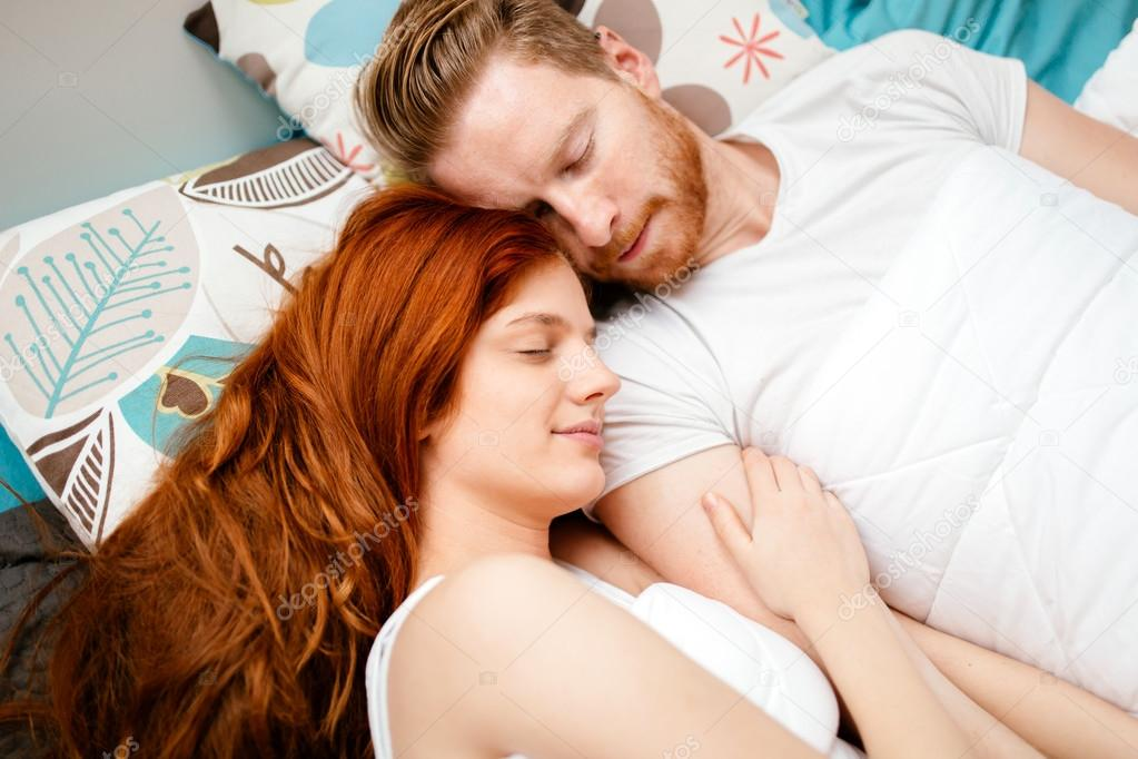 Спит негрятянка