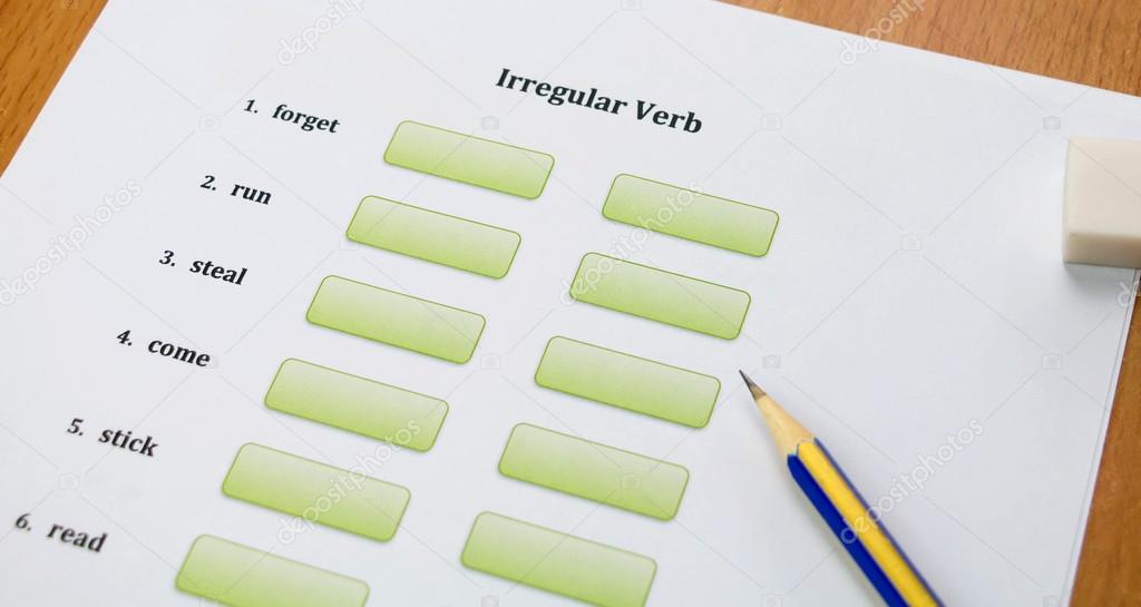 Englisch Übung und Bleistift auf Tisch — Stockfoto © lamaip #114835088