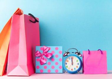 Alalrm saat ve hediye kutusu