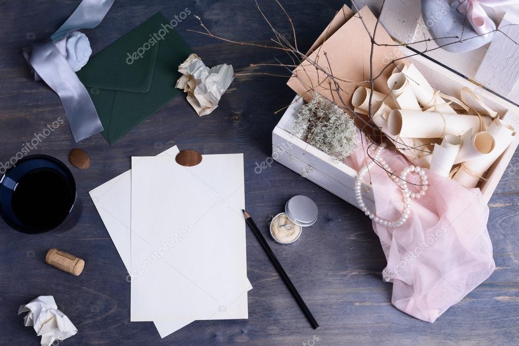 Rouleaux De Papier Et Perles Rétro Lettre Vintage Amour BoxRomantic Enchanting Stil Des Invitation De Mariage